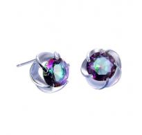 Čudoviti srebrni uhani z privlačnim kristalom CZ