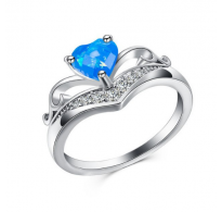 Prstan z opalom v obliki srčka v modri barvi