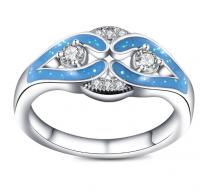 Očarljiv edinstven prstan z belimi kristali
