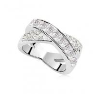 Prefinjeno eleganten prstan z belimi kristali Swarovski elements