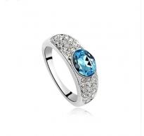 Prstan s čudovitim kristalom v aquamarin modri barvi