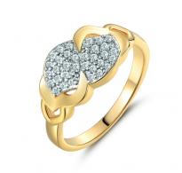Prelep pozlačen prstan z belimi cirkoni