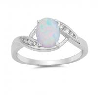 Eleganten, lepo oblikovan srebrn prstan