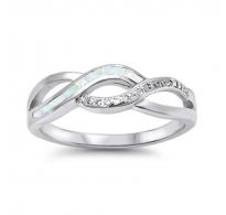 Atraktiven srebrn prstan s prelepimi belimi opali