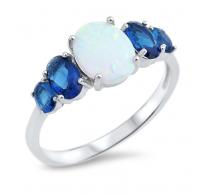Domiselno oblikovan in natančno izdelan srebrn prstan