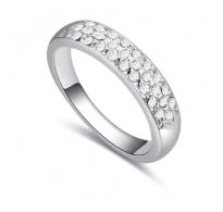 Eleganten prstan z belimi kristali Swarovski elements