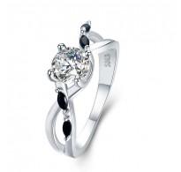 Čaroben srebrn prstan s čudovitimi detajli