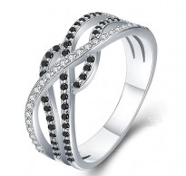 Čaroben srebrn prstan s kristali CZ v črno beli kombinaciji