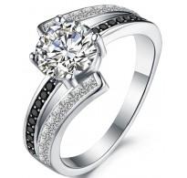 Krasno izdelan bogat srebrn prstan