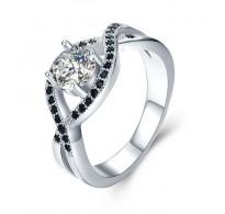 Čaroben srebrn prstan gracioznega dizajna