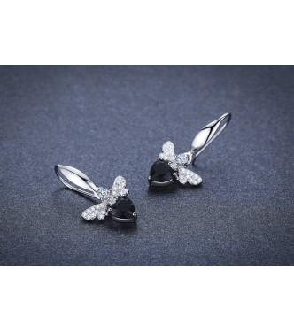 Ljubko metuljčkasti srebrni uhani s srčkom