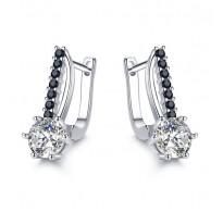 Čudoviti srebrni uhani s kristali CZ