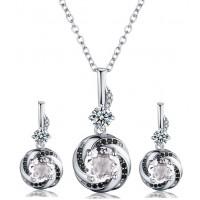 Izjemen set srebrnih uhanov in obeska z verižico