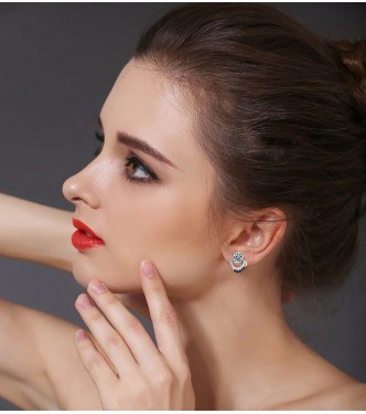 Dih jemajoči srebrni uhani