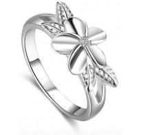 Ljubek prstan s čudovitim cvetom