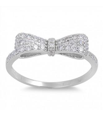 Izjemno prikupen srebrn prstan s pentljo