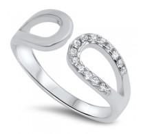 Preprost srebrn prstan modernega dizajna