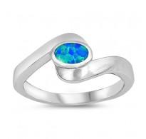 Ljubek srebrn prstan z modrim lab opalom in močno simboliko