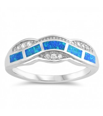 Atrakriven srebrn prstan z lab opali