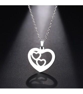 Obesek srca, ki v sebi nosi dodatno ljubezen