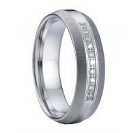 """Dih jemajoča kombinacija kirurškega jekla in kristalov v prstanu """"Maja"""""""
