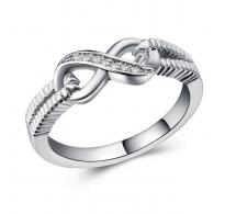 Moden srebrn prstan Infinity s kristali CZ