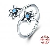 Srebrn prstan, edinstven dizajn nastavljive velikosti s kristali CZ