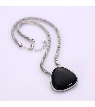 Trendy pozlačena ogrlica v kombinaciji s črnim emajlom