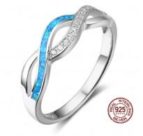 Atraktiven srebrn prstan s prelepimi modrimi opali