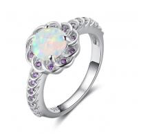 Glamurozen dizajn,  prstan  srebro z opalom in vijoličnimi cirkoni
