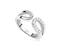 Lesketajoč rodiniran prstan z belimi kristali Swarovski elements