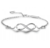 Trendovska srebrna zapestnica infinity s čudovitimi kristali CZ