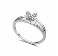 Subtilen prstan s kristali Swarovski elements v obliki metulja