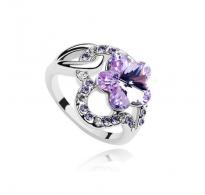 Bleščeč prstan s kristali Swarovski elements v obliki prikupne cvetlice
