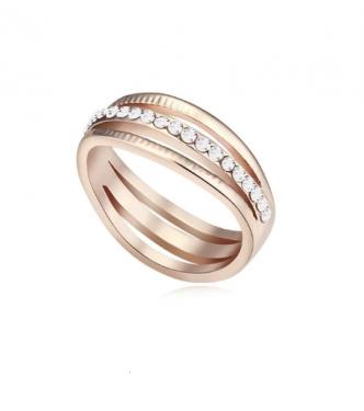 Čudovit, eleganten prstan s svetlečimi belimi kristali