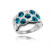 Edinstven, razkošen prstan s kristali v barvi aquamarin